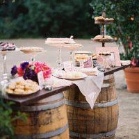 tavolo-con-botti-in-legno-1