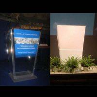 podio-plexiglass-1